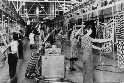 Women on the spitfire production line in Castle Bromwich